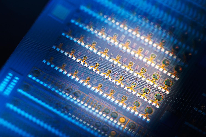 Machine learning. Elaborare alla velocità della luce? Oggi si può